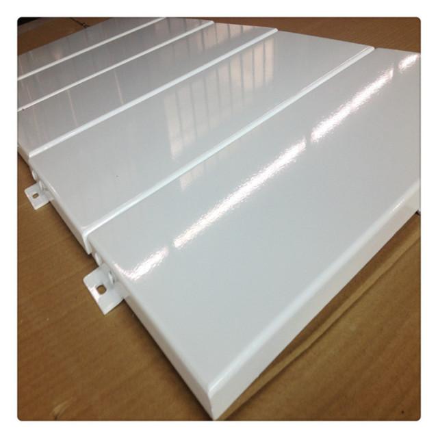 白色高光烤瓷铝单板