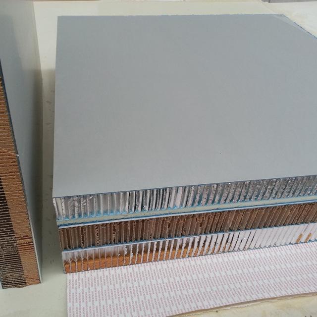 铝蜂窝板和纸蜂窝板对比