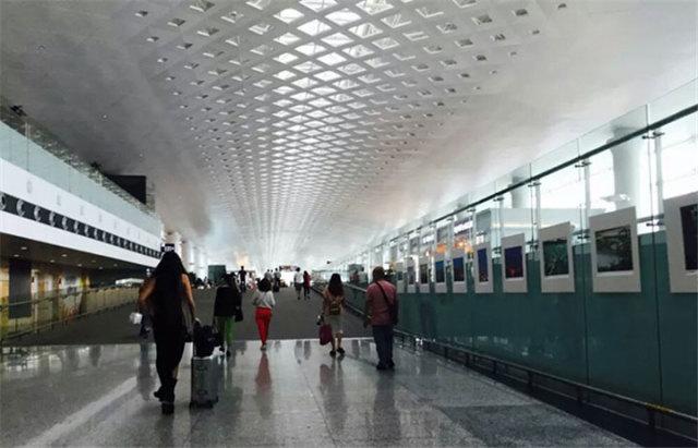 机场方形孔雕刻铝单板吊顶