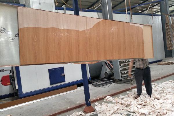 木纹铝单板进行飞纸质检