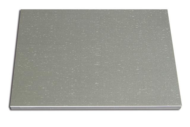 短拉丝氧化铝板
