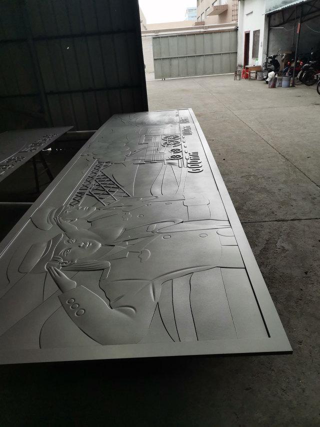 人物建筑物字符图案浮雕铝单板
