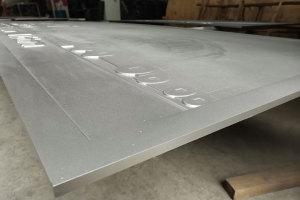 铝板侧面浮雕细节