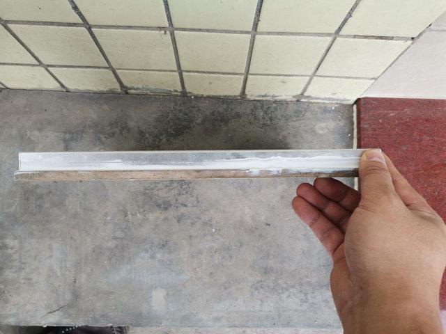 瓷砖复合铝蜂窝板侧面