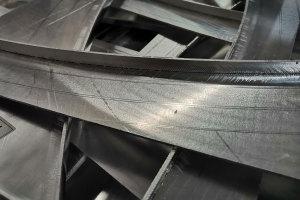 铝单板刨弧形槽细节图