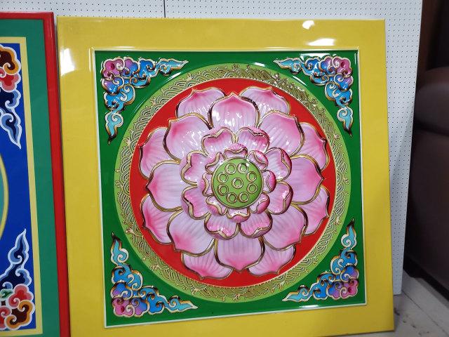 彩釉丝印莲花图案凹凸铝扣板