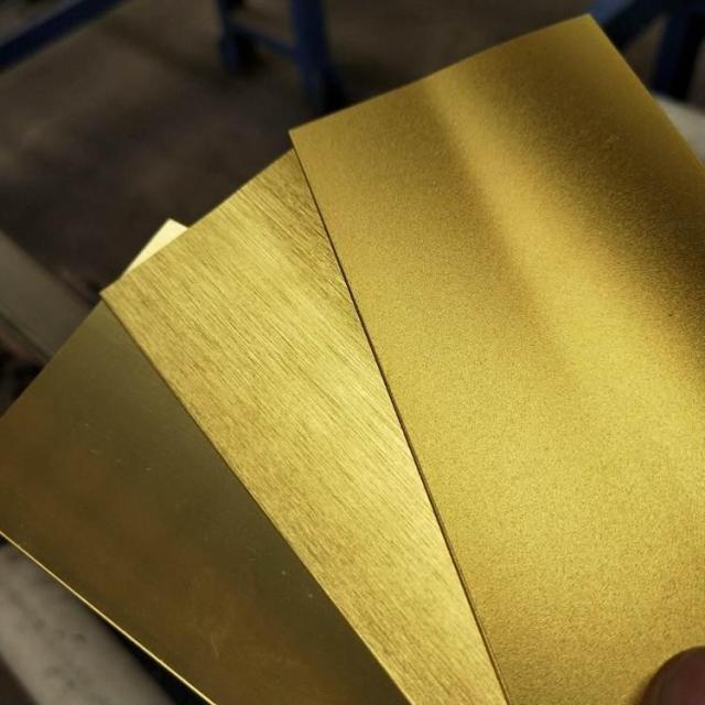 磨砂拉丝镜面千足纯金色氧化铝板