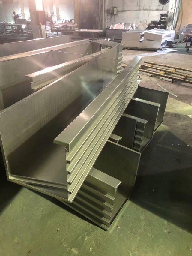 凹凸形铝单板包柱