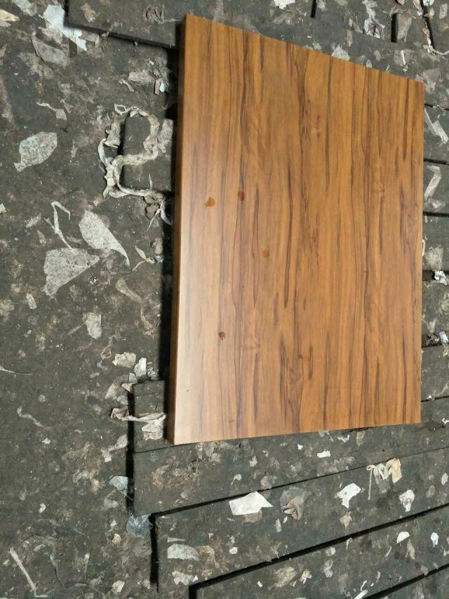黑色山纹芯木纹铝单板