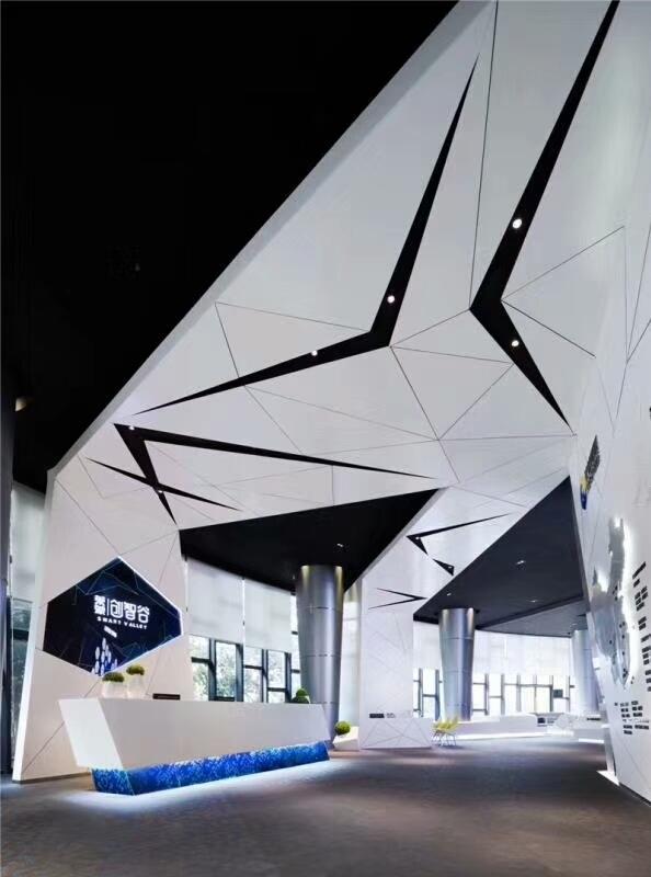 白色三角形吊顶铝单板