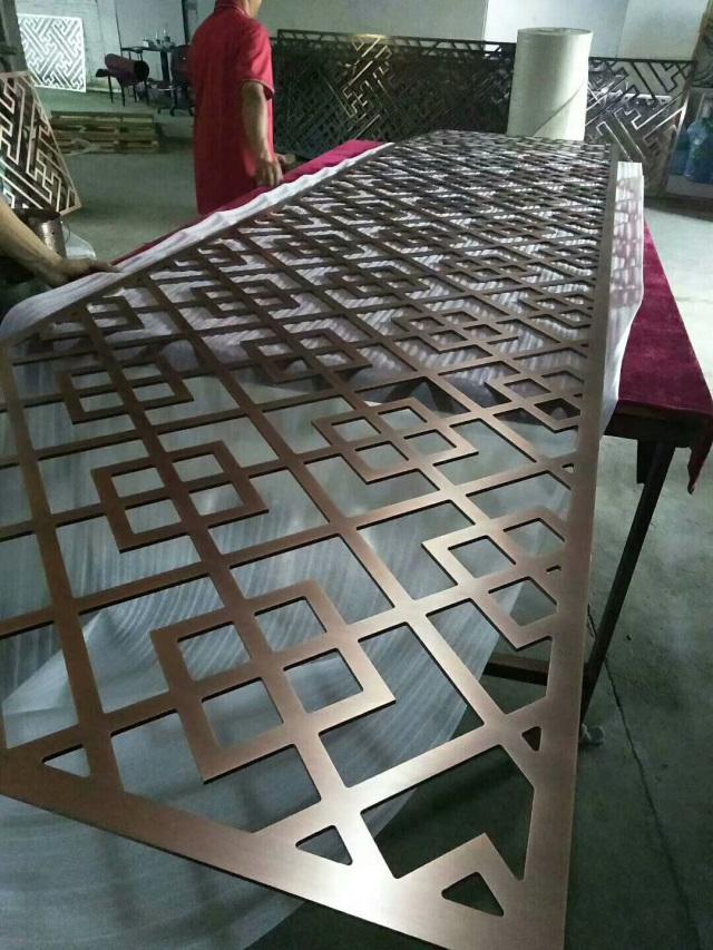 10mm厚电镀古铜色铝窗花