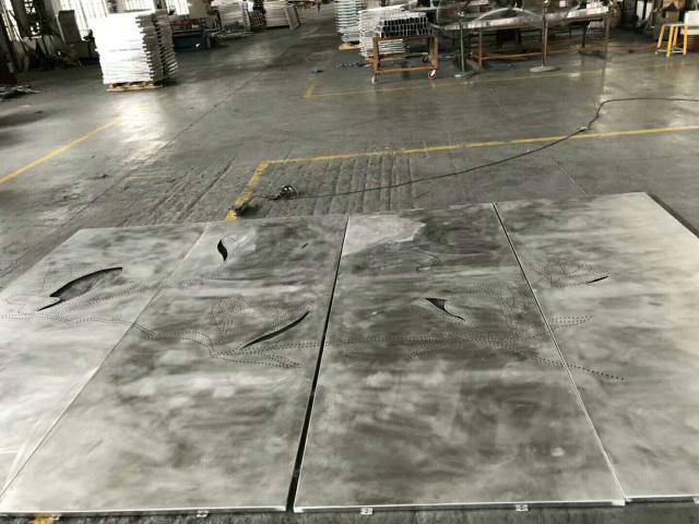 冲微孔拼荷花图案铝单板