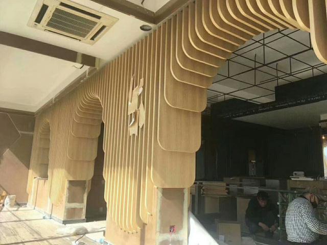 瀑布式倾泻造型铝单板