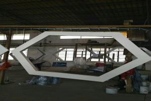 铝方管焊接六角形造型吊顶
