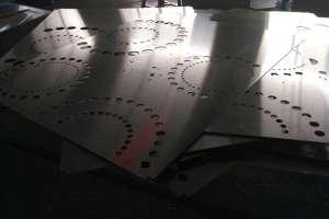 大圆围小圆图案冲孔铝单板