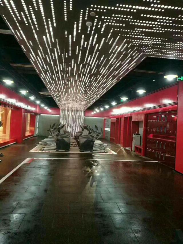 时光隧道冲孔铝单板吊顶配套灯光
