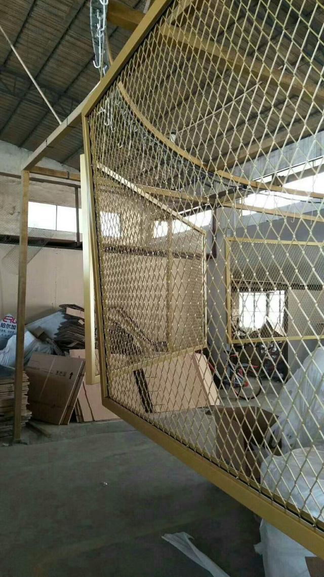 金色氟碳烤漆菱形孔铝拉网板