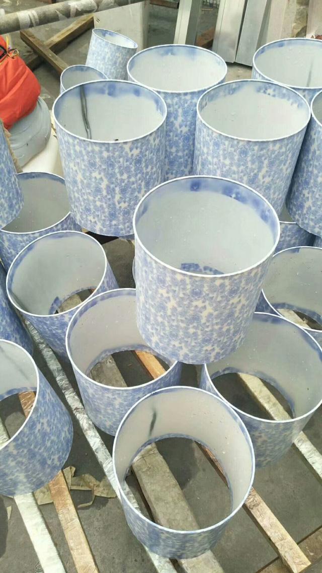 转印完成的青花瓷纹理铝圆管