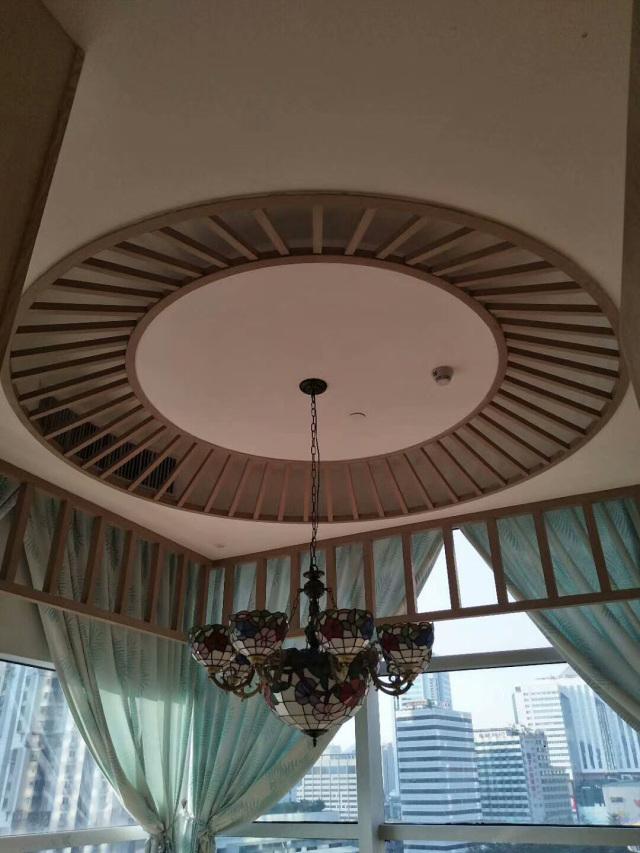 贵宾房铝方通圆形吊顶