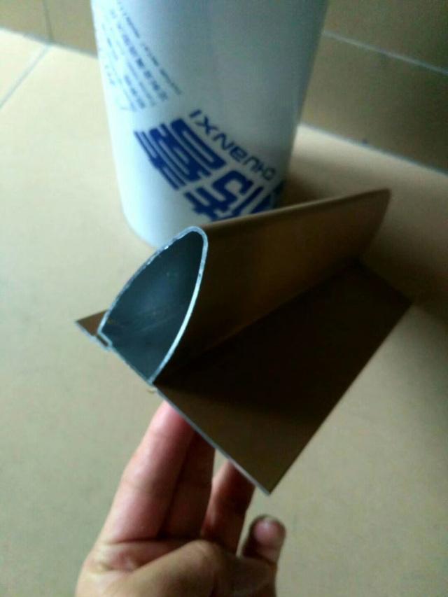 带封板的子弹头铝挂片型材斜面视觉