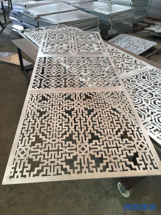 同一件铝板多种花式雕刻铝单板