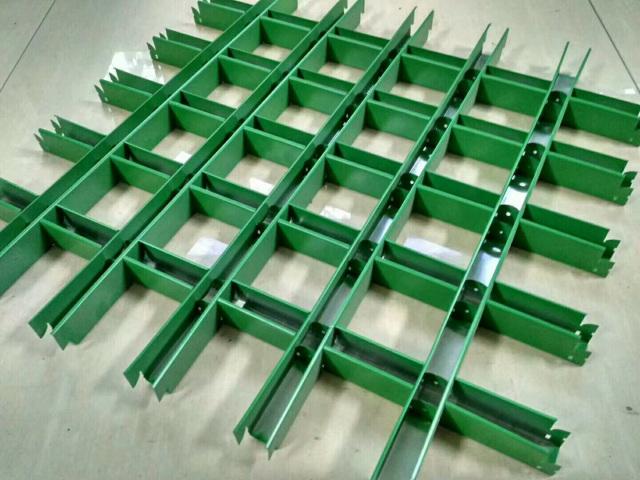 绿色40*40宽底铝格栅背面