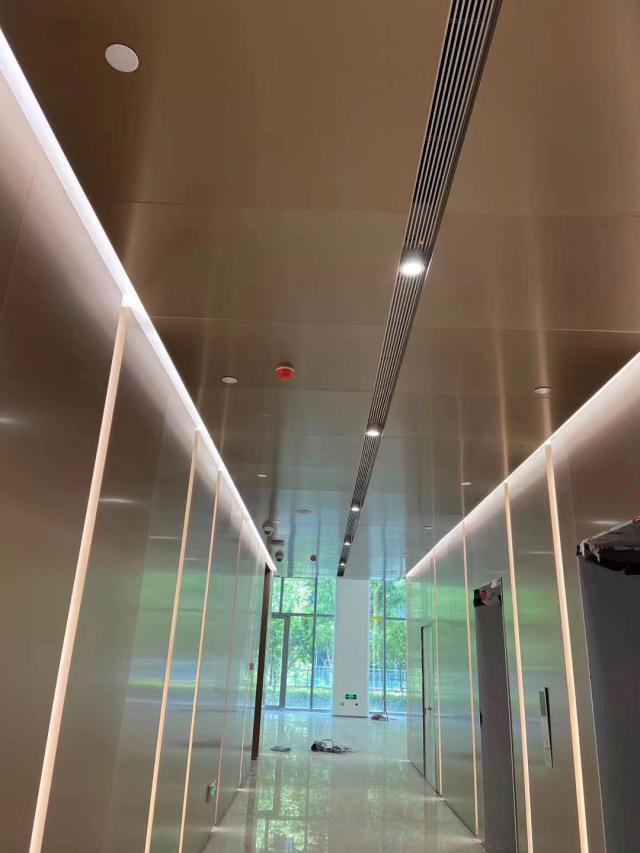 走廊过道墙面仿古铜电镀铝单板