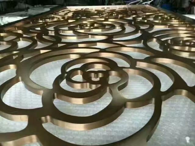 厚板雕刻玫瑰花图案金色电镀铝单板