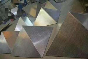 金字塔造型冲孔铝单板坯料
