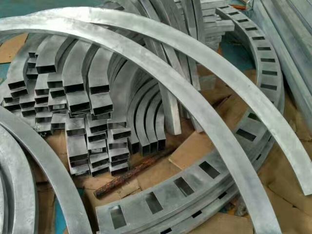拉弯冲孔铝方通型材方管