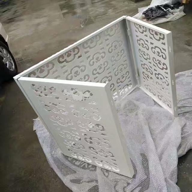 白色可调节角度雕刻铝空调罩