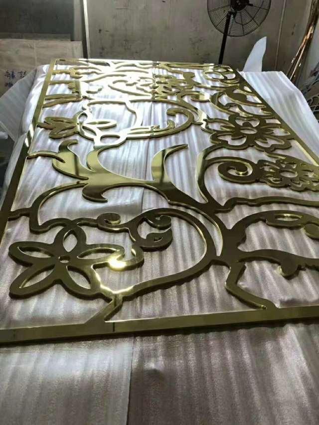金色电镀雕刻铝单板