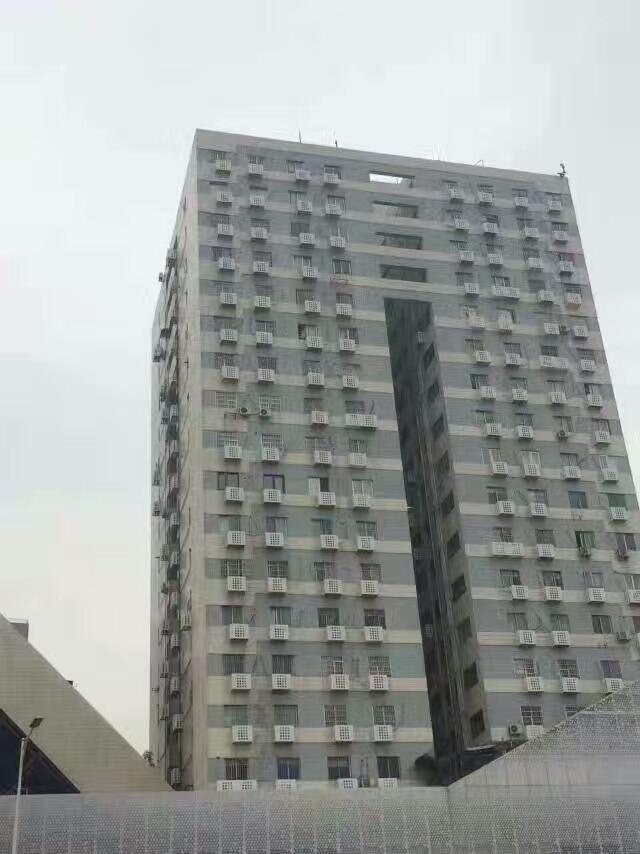 外墙安装白色铝合金空调罩