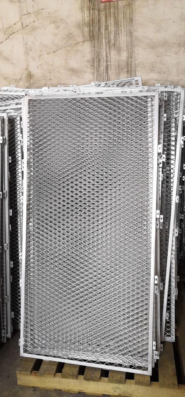 鱼鳞形冲孔铝拉网单板