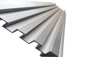 银灰色长城铝型材