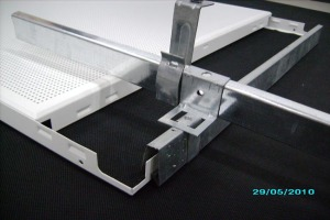 高边冲孔铝扣板和配套A型龙骨