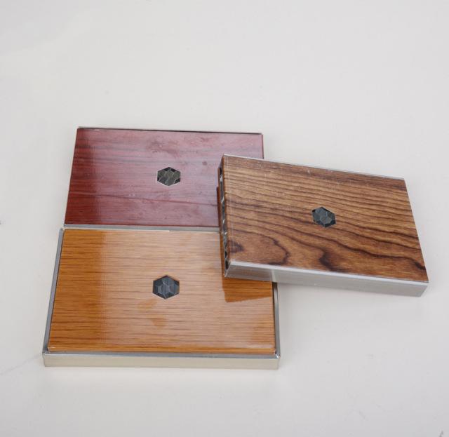木纹转印铝蜂窝隔断铝板