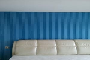 蓝色墙面凹凸形长城铝型材
