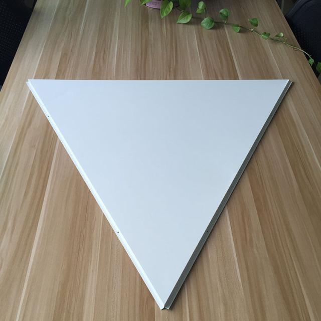 三角形跌级铝扣板