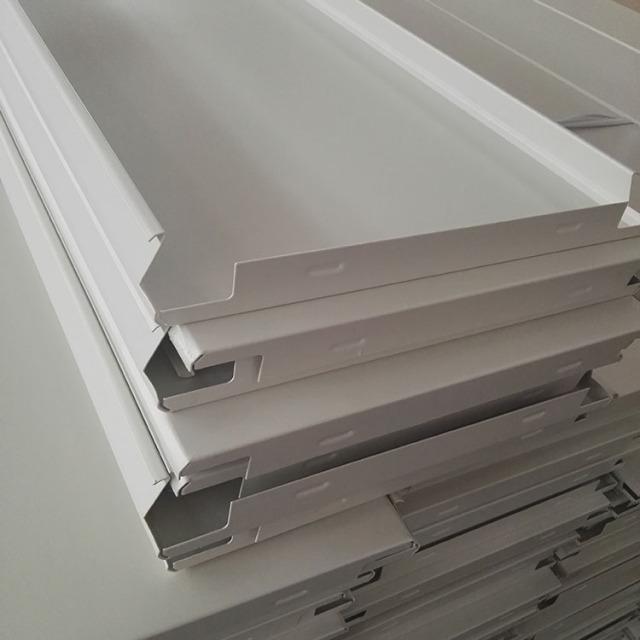 白色300mm宽高边防风铝条扣