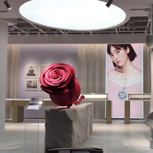 迪奥专卖店玫瑰花造型双曲铝单板工艺品