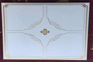 金色紫罗兰印花压纹铝扣板