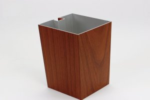 100*100木纹色凹槽铝方通型材