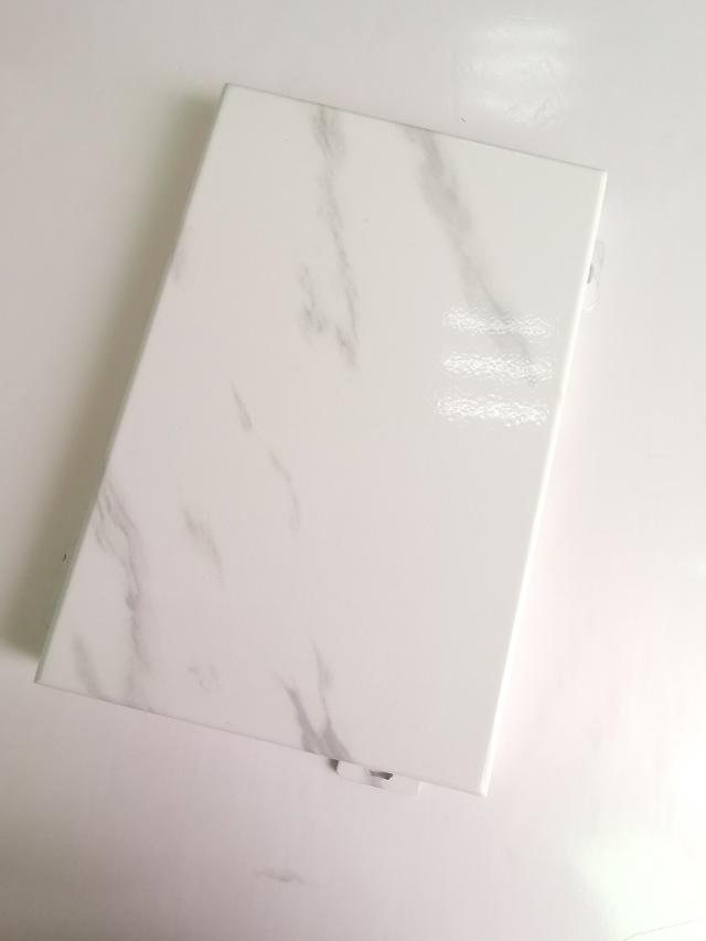 光面白玉石纹铝单板