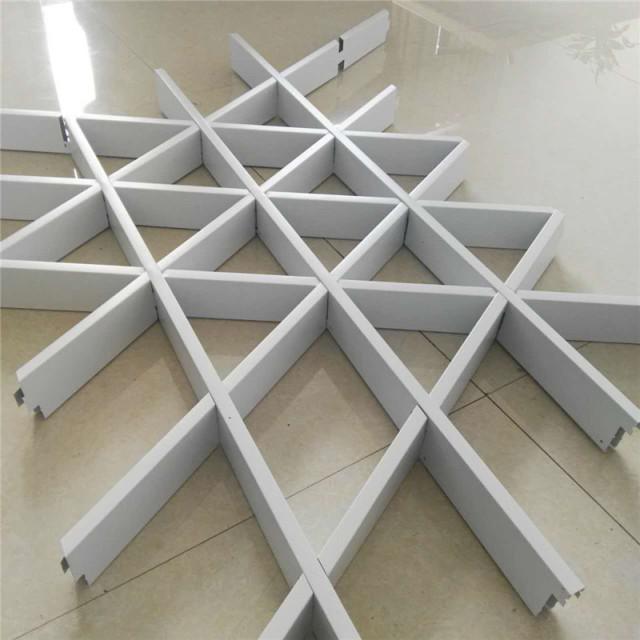 白色组合三角形铝格栅