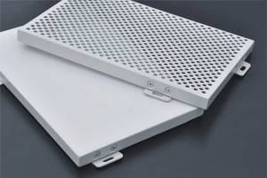 白色氟碳铝单板