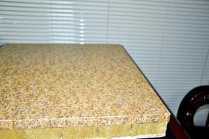 学校外墙安装铝单板和贴保温棉