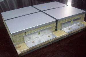 室外天井铝单板加装保温棉