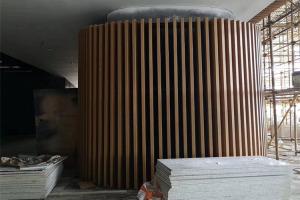 木纹铝方管包柱