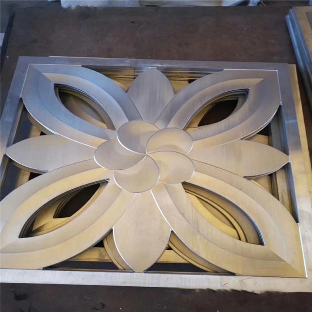 镂空压花造型铝扣板